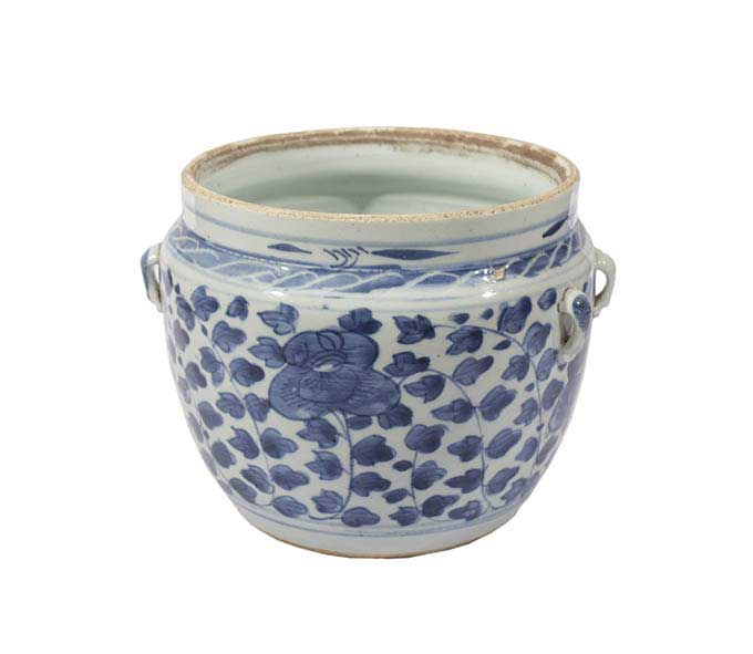 A 19th - 20th century Late Qing (Republic) blue and white Kamcheng jar