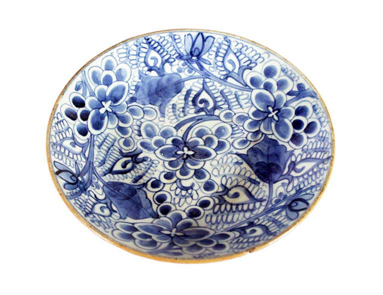 A blue and white peony pattern dish